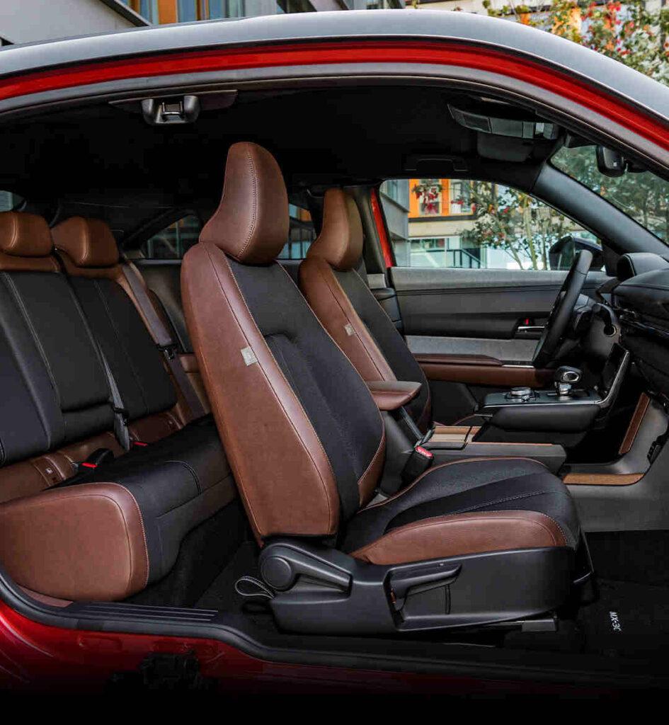Mazda_MX-30_Elektroauto_Foerderung_E-Auto_E-Fahrzeug_Innenraum_hochwertige_Materialien