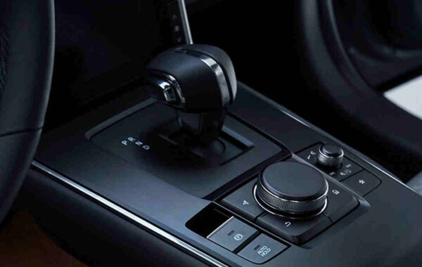 Mazda_MX-30_Elektroauto_Foerderung_E-Auto_E-Fahrzeug_innovative_Technologie_Batterie_hohe_Reichweite