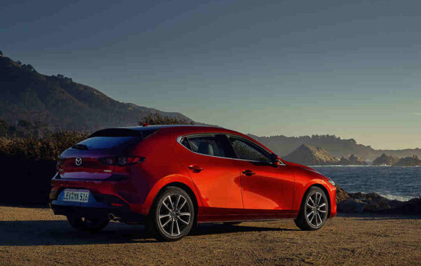 Mazda3_M3_Foerderung_Hybridauto_Firmenwagen_Hybridfahrzeug_Dienstwagen_Föerderprogramm_Fuhrpark_Geschaeftswagen