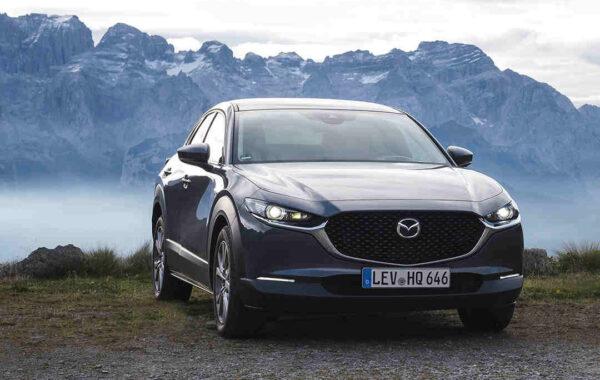 Mazda_CX-30_elegantes_Exterieur_schoenes_Design_aussen_Elektroauto_E-Auto_Elektrofahrzeug_foerderung