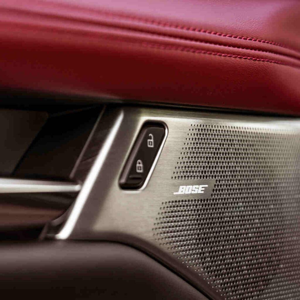 Mazda_Marktoberdorf_Bose_Lautsprecher_Elektroauto_Hybridauto_E_Auto_E-Fahrzeug_Hybrid-Fahrzeug